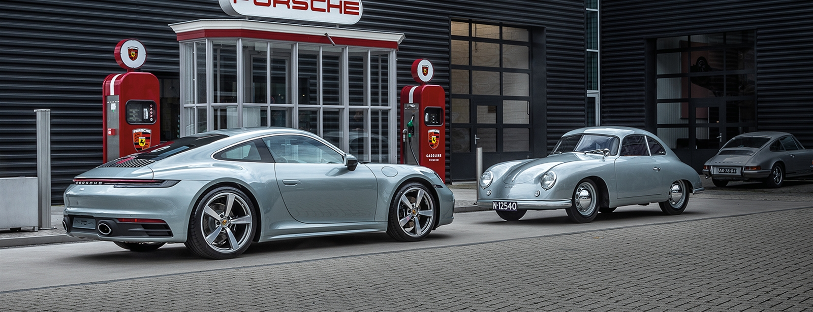 Old meets new. - Limited 911 Carrera 4S Ben Pon jr. edition