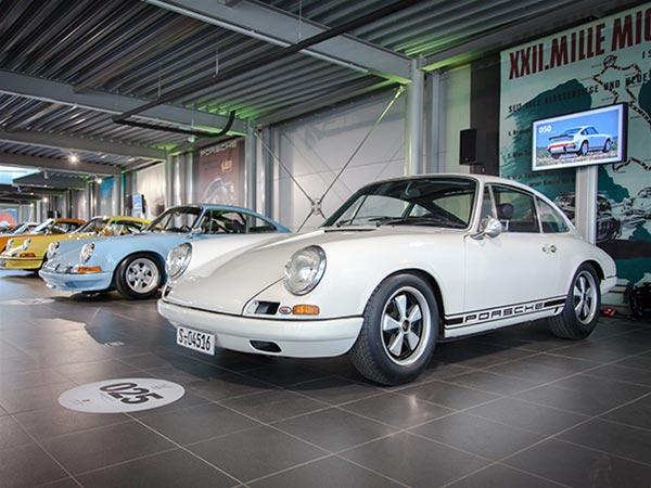 Exposition 100 Porsches
