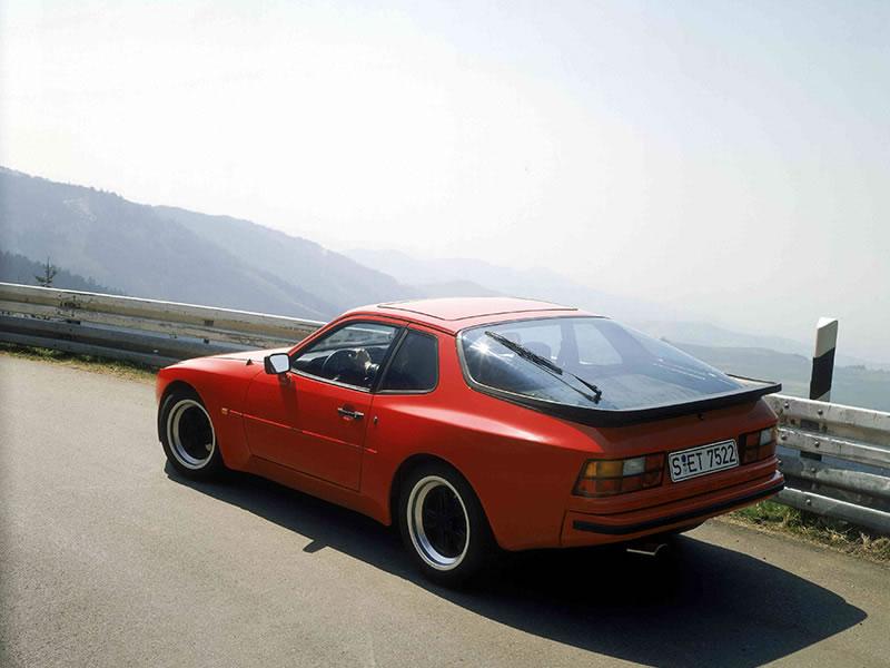 944 2.5 (1982 - 1988)